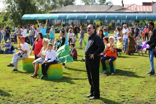 Художественный руководитель фестиваля Даниил Крамер оценивал качество исполнителей с мест для зрителей. Фото: Владимир Мартьянов
